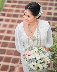HMUA bridal outfit flower bouquets by Julia Siriwardena Sari Wedding Dresses, Wedding Sari, Bridal Dresses, Buddhist Wedding, Srilankan Wedding, Bridesmaid Saree, Bridal Outfits, Flower Bouquets, Saree Jackets