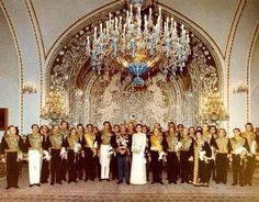 The late Mohammad Reza Shah Pahlavi, Empress Farah & the late prime minister, Hovayda - Iran Persian Princess, Pahlavi Dynasty, Farah Diba, The Shah Of Iran, Persian Pattern, The Golden Years, Royal House, Ol Days, Good Old