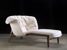 Cleo Chaise Lounge by Rossin Concrete Furniture, Cool Furniture, Furniture Design, Modern Furniture, Sofa Chair, Armchair, Chair Pads, Upholstered Chairs, American Home Furniture