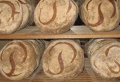 פרנקופילים אנונינימיים | כל מה שמכורים לצרפת צריכים | לחם פואלן (Poilâne)
