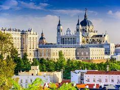 Madrid Reise in königlichem AmbienteMöchtest du schon lange einmal die spanische Hauptstadt erleben? Geniesse Madrid in königlichem Ambiente!  Überzeuge dich selbst von der spanischen Stadt: http://www.ich-brauche-ferien.ch/geniesse-ein-paar-tage-madrid-im-koeniglichen-ambiente/