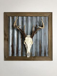 Relaxing Spanish Home Decoration Deer Skull Decor, Deer Hunting Decor, Deer Head Decor, Deer Skulls, Boys Hunting Room, Decorating With Deer Antlers, Hunting Bedroom, Antler Wall Decor, Pheasant Hunting