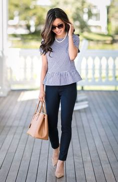 22 Stylish and Gorgeous Work Outfits For Women Over 35 To Inspire You - Summer Work Outfits Summer Office Outfits, Spring Work Outfits, Casual Work Outfits, Business Casual Outfits, Professional Outfits, Mode Outfits, Work Attire, Work Casual, Fashion Outfits