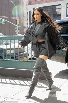 Kim Kardashian takes North candy shopping in NYC - Head-turning: Making the world her runway, Kim was a great advertisement for Kanye's clothes - Robert Kardashian, Kim Kardashian Hollywood Game, Kim Kardashian Snapchat, Looks Kim Kardashian, Kardashian Style, Kardashian Jenner, Kim Kardashian Yeezy, Kardashian Fashion, Kylie Jenner