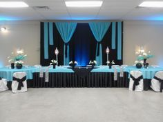 Black and Turquoise Wedding Head Table and Backdrop by Twig Floral Designs, Carbondale, Illinois www.twig-designs.com Jonathan Reiman, Designer