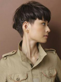 Short Straight Haircut, Short Hair Cuts, Short Hair Styles, Japanese Haircut Short, Asian Haircut Short, Short Bangs, Short Wavy, Girl Short Hair, Short Girls