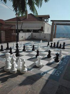 Μια παρτιδα σκακι στην Παραμυθια