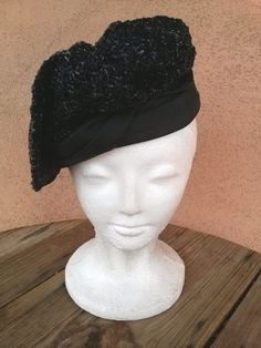 Vintage 1960s Hat Cello Straw Asymmetrical Tilt Newsboy Beret 201402 - pinned by pin4etsy.com