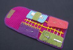 Ravelry: Leentje's Crochet Hook Case pattern by Marleen Hartog Crochet Hook Case, Love Crochet, Knit Crochet, Crochet Afghans, Crochet Tools, Crochet Crafts, Crochet Projects, Crochet Needles, Crochet Stitches