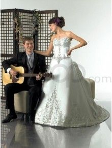 A-Line Satin Embroidered Bodice Sweetheart Neckline Sweep Train Wedding Dress (H9909)