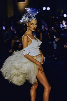 John Galliano Spring 1996 Ready-to-Wear Fashion Show - Kate Moss