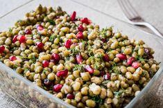 Maş fasulyesi tarifiyle et veya tavuk yemeklerinizin yanına hafif bir salata hazırlamaya ne dersiniz? Bu tarife bayılacaksınız.