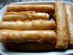 """La meilleure recette de """"Cigares"""" au fromage! L'essayer, c'est l'adopter! 4.8/5 (4 votes), 5 Commentaires. Ingrédients: - 1 paquet de pâte filo (à acheter dans les épiceries orientales ou dans certains supermarchés) - 300 g de fromage féta - 200 g de mozzarella - 25 cl d'huile d'arachide - 2 cuillères à soupe d'herbes fraîches hâchées (persil, menthe, sariette, ...)"""