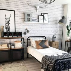 35 Amazingly Pretty Shabby Chic Bedroom Design and Decor Ideas - The Trending House Big Boy Bedrooms, Boys Bedroom Decor, Industrial Bedroom Decor, Industrial Boys Rooms, Industrial Table, Master Bedroom, Original Design, My New Room, Boy Room