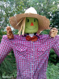 DIY Fall October Yard Art Scarecrow