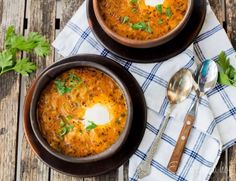 Valdiviano, Chilean Soup is traditional and deliciously easy to make. You can use different jerky meats, so comforting and warming. Chilean Recipes, Chilean Food, Healthy Diners, Soup Recipes, Healthy Recipes, Healthy Food, Yummy Food, Onion Soup, Recipe Images