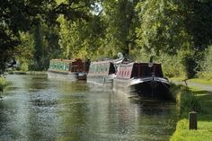 stratford upon avon england - house boats on the canal