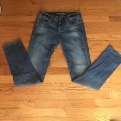 American eagle jeans Perfect condition American eagle jeans! Size 4 LONG American Eagle Outfitters Jeans Skinny