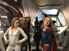Mellisa Benoist as Supergirl - Girl Celebrities Supergirl Tv, Supergirl And Flash, The Cw, Kal El Superman, Cw Crossover, Flash Funny, The Flash Grant Gustin, Candice Patton, Cw Dc