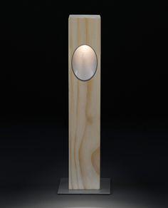 Ela Accoya trä Pollare - Trä/LED från Oluce hos ConfidentLiving.se