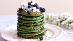 Zelené lívance s chia a pohankou Foto: Avocado Toast, Quinoa, Pancakes, Healthy Recipes, Fresh, Breakfast, Food, Diet, Morning Coffee