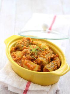 Bharwa Karela with Besan stuffed karela potato sabji recipe - authentic bharwa karela sabji prepared in onion tomato punjabi gravy. step by step recipe. Curry Recipes, Raw Food Recipes, Indian Food Recipes, Appetizer Recipes, Vegetarian Recipes, Dinner Recipes, Cooking Recipes, Ethnic Recipes, Potato Sabji