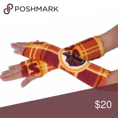 WASHINGTON REDSKINS football fleece arm warmers 14 inch WASHINGTON REDSKINS football fleece arm warmers.  All arm warmers are made from heavyweight fleece and are completely serged for durability.  One size will stretch to fit most.  Support the WASHINGTON REDSKINS with these football fleece arm warmers Handmade Accessories Gloves & Mittens