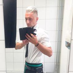 Workwear ❤️ #unique #working #waiter #best #merkur #whitehair #iphone6plus #money #lgbt #boygram #followme #whynot #gayboy #vienna #gayvie #nexttopmodel #gayvienna #austria #austriaboy @merkurmarkt @austriasnexttopmodel @thenexttopgay @t