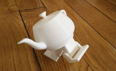 Dancing #Robot #Teapot Brings Mrs. #Potts to Life ! http://www.roboticstrends.com/article/dancing_robot_teapot_brings_mrs_potts_to_life/fun …