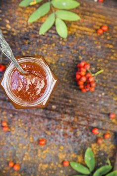 Rowan berry jam with a twist of apples. http://www.jotainmaukasta.fi/2014/09/19/pihlajanmarja-omenahillo/