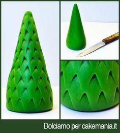 Tutorial di cake design: albero di Natale intarsiato