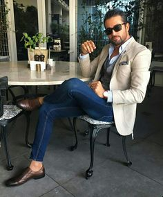 Inspiring Collection Of Classy Men`s Fashion And Lifestyle Blazer Outfits Men, Mens Fashion Blazer, Komplette Outfits, Mens Fashion Blog, Suit Fashion, Look Fashion, Fashion Sale, Fashion Outlet, Cream Blazer Outfit