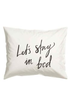 Pillowcase: Pillowcase with a text print on fine-threaded cotton in 30s yarn with a thread count of 144.