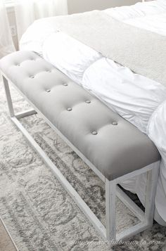 Attrayant Bedroom Bench DIY This Chic Looking Bench Seat Is Made Of Wood And Fabric.  See