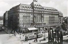 Hotel Carlton was in the time of one of the top European hotels Bratislava, Past, Louvre, Building, Travel, Times, Hotels, Retro, Sweet