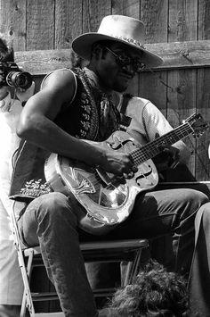 Taj Mahal, Newport Folk Festival, Newport, Rhode Island, 1968 by Elliott Landy America Band, Taj Mahal, Ornette Coleman, William Christopher, Blues Artists, Jazz Artists, Music Artists, Joan Baez, Folk Festival