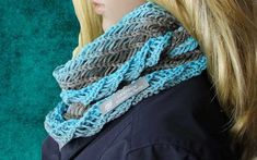 Kostenlose Anleitung: Loopschal für Damen stricken This great, airy loop scarf looks very fashionable and is knitted in the round. The gradient yarn plays an … Knitting Websites, Knitting Blogs, Easy Knitting, Scarf Knots, Loop Scarf, Snood Pattern, Free Pattern, Kids Knitting Patterns, Big Knits