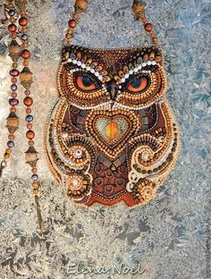 Forest owl and winter. Owl embroidered with beads in the center - amber, bronze chain, freshwater pearls, agate, beads of amber. Bead Embroidery Jewelry, Beaded Embroidery, Beaded Jewelry, Jewellery, Do It Yourself Jewelry, Beaded Animals, Beaded Bags, Beading Projects, Beads And Wire