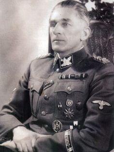 reinhardhimmler:  卐 SS-Obergruppenführer und General der Polizei, Höherer SS und Polizeiführer(HSSPF) Böhmen und Mähren Karl Hermann Frank