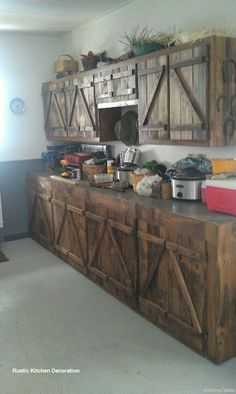 Rustic Kitchen Ideas - Rustic kitchen cabinet is a beautiful mix of country cottage and also farmhouse design. Surf 30 ideas of rustic kitchen design below Country Kitchen, New Kitchen, Kitchen Decor, Long Kitchen, Kitchen Ideas, Barn Kitchen, Kitchen Wood, Ranch Kitchen, 1950s Kitchen