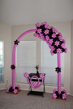 Santo Diamond Balloon Design: Pink black balloon arch