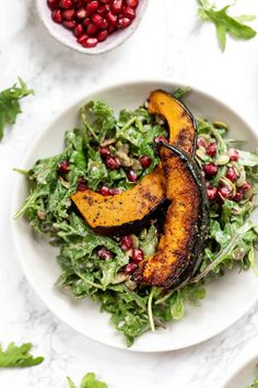 This amazing FALL SALAD is made with roasted acorn squash, pomegranate and a creamy tahini dressing! Tahini Dressing, Salad Dressing, Vegetarian Recipes, Healthy Recipes, Fancy Recipes, Potluck Recipes, Vegan Meals, Diabetic Recipes, Healthy Food