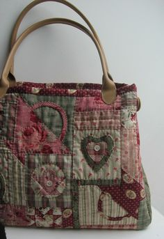love this bag Great for knitting and crotchet projects on the go!!