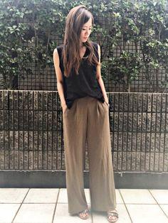 Womens Fashion For Work, Work Fashion, Fashion Pants, Daily Fashion, Women's Fashion, Dress Down Day, Weekend Wear, Japan Fashion, India