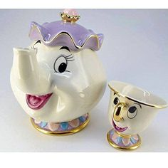 Disney Beauty and The Beast Tea Pot & Cup Tea set Mrs. Pot and Chip. I have this tea pot, but not the cup. Deco Disney, Café Chocolate, Tea Pot Set, Teapots And Cups, Disney Beauty And The Beast, My Cup Of Tea, Cupping Set, High Tea, Afternoon Tea