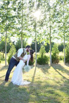Summer barn wedding in Oregon. Just 10 min from Salem.