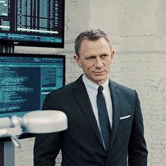 The Daniel Craig Fixation Daniel Craig Style, Daniel Craig 007, Rachel Weisz, James Bond Party, Daniel Graig, James Bond Style, Daniel Craig James Bond, Best Bond, Pretty Pictures