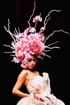 Floral Fashion, China Fashion, Design Oriental, Floral Headdress, Foto Fashion, Crazy Hats, Arte Floral, Marie Antoinette, Hair Art