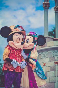 Mickey x Minnie Royal Friendship Faire Disney Dream, Disney Fun, Disney Magic, Disney Pixar, Disney Parks, Disney Stuff, Disney Characters, Mickey Mouse And Friends, Mickey Minnie Mouse