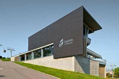Nuevas estaciones de Teleférico de Montjüic / FORGAS Arquitectos